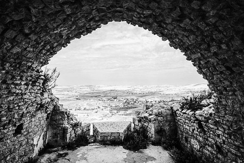 Ancient Balcony #beaufort #beaufortcastle #fort #ruin #lebanon #arnoun #middleeast #freestuff #fuji #fujifilm #xpro2 #bw #fmh #travel #history