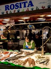 Barcelona 2017: Rosita (mdiepraam) Tags: barcelona 2017 laboqueria foodmarket fish woman