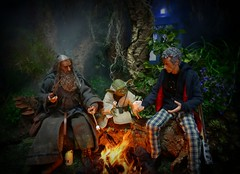 Campfire on Dagobah (MiskatonicNick) Tags: asmustoys gandalf grey hottoys yoda lotr hobbit starwars bigchief doctorwho petercapaldi 12th doctor diorama playscale 16 sixthscale