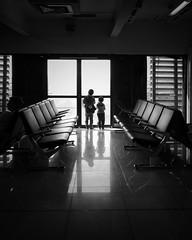 Wanderlust (Mister Blur) Tags: wanderlust viajeros iphoneography se iphone city méxico gate terminal airport chronicles thelighttraveler wetravel