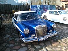 Mercedes-Benz (W110) 190c Heckflosse (geri.jokub) Tags: merc mercedes benz german quality beautiful germany 1960s fintail blue white lietuva mersedesas e klasse class klasė klasikinis vokiškas automobilis belmontas