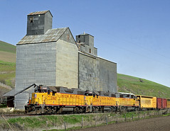 Sweetwater ID Friday April 12th 1991 1010PDT (Hoopy2342) Tags: train rail railroad railway sweetwater idaho id camasprairie elevator