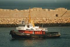 Un europeo en Africa (mabra68) Tags: remolcador tug buque safi tarik mar oceano