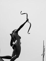 ... Diana cazada  ... (Lanpernas 3.0) Tags: diana diosa artemisa roma escultura esculpture madrid granvía