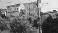 (sftrajan) Tags: russianhill sanfrancisco blackandwhite bw architecture greenstreet california retainingwall regrade