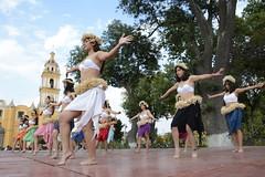 DANZA POLINESIA (1) (Gobierno de Cholula) Tags: que chula cholula danza danzapolinesia danzasprehispánicas libro