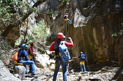 Juan Carlos documentando descensos (::: Mer :::) Tags: sierrazapaliname coahuila cañondesanlorenzo rapel rappel outdoors mountains montañas cerros hiking montañismo caminata naturaleza nature canyon