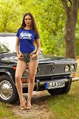 babylol (heikole-art.net) Tags: heikole babylol deutschland germany tyskland berlin 2016 5dmarkii canon eos modell model porträt porträtt portrait mädchen girl tjej frau kvinna woman weiblich feminin female feminine kvinnlig beauty beautiful pretty gorgeous schön schönheit hübsch snygg skönhet skinny slim slender schlank dünn emotion erotik erotic shorts jeans denim tshirt 70er seventies mode auto car wagen lada vaz2103