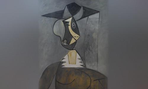 "Mujer en Gris, caracterización de Pablo Picasso (1942), recreación de Roy Lichtenstein (1962). • <a style=""font-size:0.8em;"" href=""http://www.flickr.com/photos/30735181@N00/8815848600/"" target=""_blank"">View on Flickr</a>"