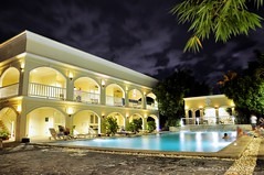 Long exposure, Children's pool (Rhannel Alaba) Tags: bay nikon philippines resort plantation cebu spa lapulapu d90 pido alaba rhannel