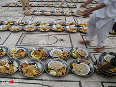 (OwaisPhotography (www.facebook.com/owaisphotos)) Tags: museum religious nikon coolpix ramadan preparation masjid iftar 26th mohatta memon ramzan p80 memonmasjid owaisphotography gettyimagespakistanq12012 gettyimagesmiddleeast