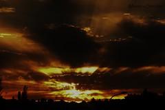 Puesta de Sol. (1) (MonteroSánchez) Tags: sunset sun sol clouds atardecer spain sony nubes puestadesol cáceres anochecer lateafternoon extremadura santibáñezelbajo