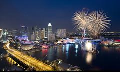 Singapore celebrates National Day 2013 (Andrew Tan 2011) Tags: nightphotography bridge skyline river spectacular evening singapore fireworks dusk anniversary stage platform celebration event vista hotels spectators sunteccity nationalday 48th marinabay highviewpoint thepinnaclehof kanchenjungachallengewinner ndp2013 tphofweek215