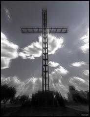 Cruz (MarcosCousseau) Tags: zoom monumento cruz tresarroyos