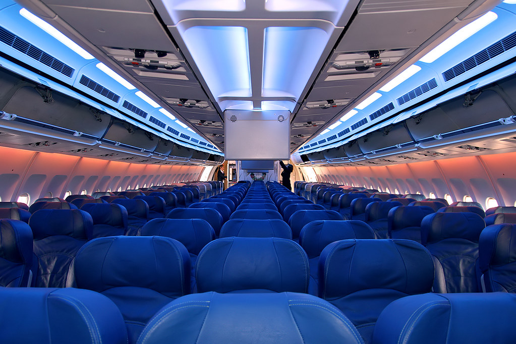 The world 39 s most recently posted photos of airbusa310 and for Avion air transat interieur