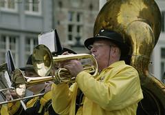 Beloved Brugge (Natali Antonovich) Tags: portrait hat musicians glasses brugge hats bruges belovedbrugge hatisalwaysfashionable