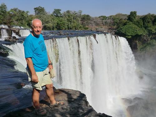 Zambia. Catarata Lumangwe. Ahí estoy, en el borde
