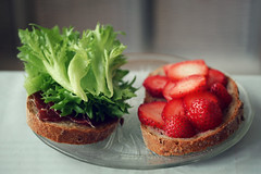 """""""Time does not pass, it continues"""". (stjernesol) Tags: morning red green breakfast bread salad strawberries justanordinarymorning iloveacolourfulbreakfast andahealthyoneaswell ihadalongharddayyesterday andtodayisanotherone ohwellworkingworkingworking"""