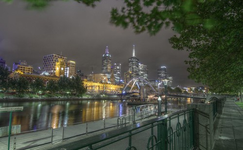 Melbourne Yarra River & Flinders Station
