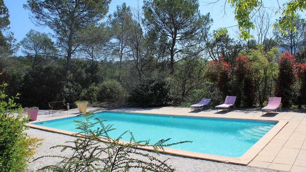 Piscine et jardin de la Bastide Saint-Bernard
