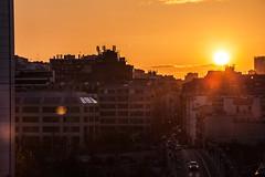 Coucher de soleil près de Barbès (Sébastien Huette) Tags: soleil couché ville paris barbès 200mm noir orange