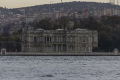 Dolmabahçe Sarayı (Leif Hinrichsen) Tags: bosphorus istanbul turkey boat dolmabahçesarayı palace palast dolmabahçe