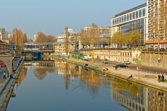 Paris / Canal Saint Martin / Quai de Valmy (Pantchoa) Tags: paris canalsaintmartin canal eau quai quaidevalmy reflets pont façades architecture d7100 1685mmf3556