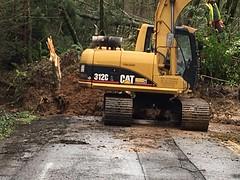Clearing West Burnside Landslide 3.15.17 (Portland Bureau of Transportation) Tags: burnside portlandbureauoftransportation landslide maintenance winterweather portland