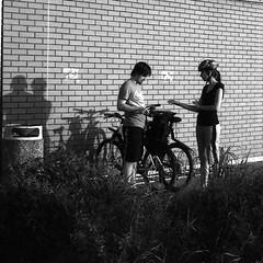 Elikon 35S - Couple and Shadows (Kojotisko) Tags: elikon35s film bw brno czechrepublic elikon