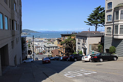 Looking to the North (JB by the Sea) Tags: sanfrancisco california april2017 russianhill urban greenstreet jonesstreet