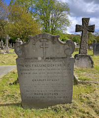Putney Vale Cemetery (AnthonyR2010) Tags: putney putneyvale cemetery crematorium london dickens nexus5x