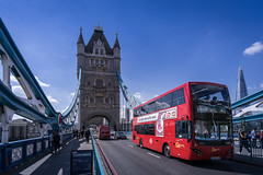 Tower Bridge, London (daniel_moeller) Tags: towerbridge bus redbus london england greatbritain grosbritannien unitedkingdom uk europa europe samyang12mmf2ncscs sonyalpha6000