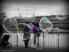 forever seeing bubbles... (Artbywigs) Tags: 2017 april april2017 edits london southbank streetphotography wigs bubbles
