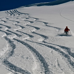Heliskiing in Maipo valley. Photo Rodrigo Mujica archive