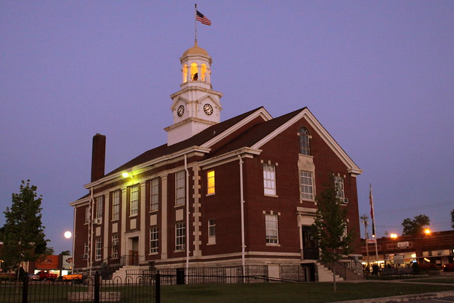 Cannon County Courthouse at Dusk (2013) - Woodbury, TN