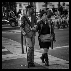 ELEGANCE (Sklkphoto1) Tags: blackandwhite paris france fashion noiretblanc streetphotography mode labastille photographiederue