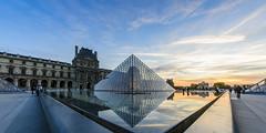 Le Louvre et sa fontaine - Paris (Le Charentus) Tags: light sunset paris building architecture night pose nikon long exposure louvre sigma nuit hdr longue 816mm d7000