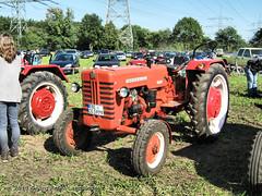 Traktor McCormick D326 - Marl_6609_2013-09-29 (linie305) Tags: tractor deutschland traktor d meeting gemany mccormick trecker trekker marl 326 d326 tractormeeting treckertag treckermeeting traktormeeting