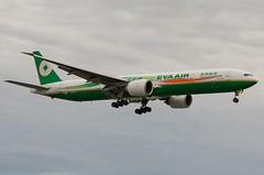 Boeing 777, B-16701, EVA Air. (PRA Images) Tags: boeing lhr heathrowairport evaair boeing777 egll b16701