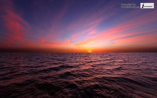 The horizon of the sea beautiful sunset sky