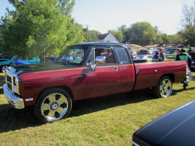 truck pickup 1993 dodge mopar custom ram carshow clubcab d250 ridgelymd ridgelyfallfestival ridgelyrailroadpark