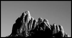 Montserrat (Herminio.) Tags: barcelona mountain peak pic catalonia sierra pico montserrat catalunya serra montaa catalua barcelone montanya monserrat katalonien catalogne barcelonne