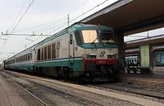 402 (yann.train) Tags: train torino italia gare railway locomotive turin italie fs trenitalia électrique e402 torinoportanuova