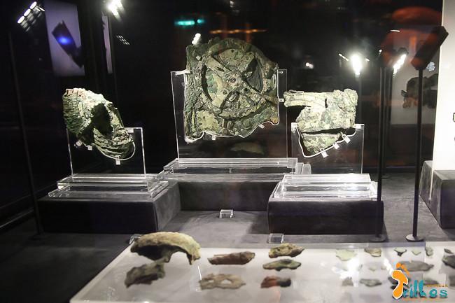 Mecanismo de Antiquitera (Máquina de Anticítera) no Museu Arqueológico, em Atenas