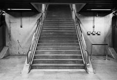 Escada estao metr SP (Ivan Costa) Tags: brazil brasil stair metro escada paulo sao