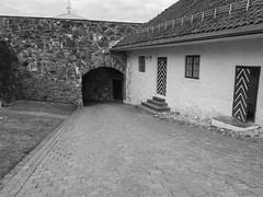 Festningen 2 (MortenHpictures) Tags: bw blackwhite oldbuildings elements festning kongsvingerfestning kongsvinger sorthvitt hedmark svarthvitt