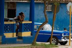 Cuba (y.becart) Tags: life blue people car photo nikon cuba bleu habana caraibe 35mn amerique d3100