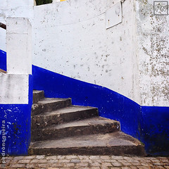 Óbidos corners 1/4 (Pedro Nogueira Photography) Tags: pedronogueira pedronogueiraphotography photography iphoneography outdoor portugal architecture