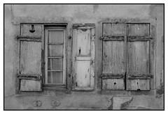 Fermé/Ouvert (DavidB1977) Tags: france alsace basrhin haguenau fenêtres volets nikon d610 ais nikkor 35mm