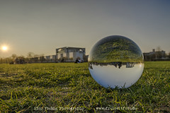 Bundeskanzleramt (Nico Fiebig Freizeitfoto.de) Tags: crystal crystalball glaskugel glas abenddämmerung abendsonne bundeskanzleramt